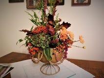 装饰在家或婚礼的美丽的花束 库存图片