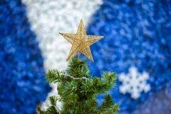 装饰在newyear节日,纹理背景的圣诞树 库存照片