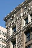 装饰大厦的檐口 免版税库存图片