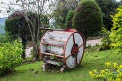 装饰庭院轮子 免版税库存图片