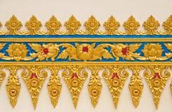 装饰当地样式泰国墙壁 免版税库存图片