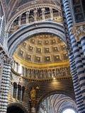 装饰柱子,锡耶纳大教堂,意大利 免版税图库摄影