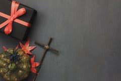 装饰标志愉快的万圣夜节日背景台式  免版税库存图片