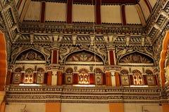 装饰死命和天花板在thanjavur maratha宫殿的部大厅dharbar大厅里 免版税库存照片