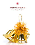 装饰的发光的金黄圣诞节铃声 免版税图库摄影