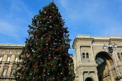 装饰的圣诞树和画廊致力国王它 库存图片