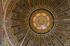 装饰的天花板,清真大寺(雪花石膏清真寺),开罗城堡 免版税库存照片