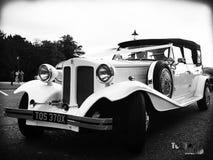 装饰的婚姻的汽车 库存照片