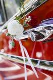 装饰的婚姻的汽车 图库摄影