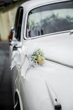 装饰的婚姻的汽车 库存图片