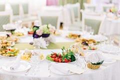 装饰的宴会桌设置 免版税库存照片