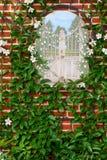 装饰的庭院墙壁 免版税库存图片