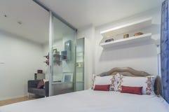 装饰的现代样式,公寓演播室类型 免版税图库摄影
