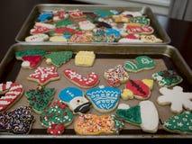 装饰的结霜的圣诞节曲奇饼 库存图片