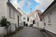 装饰的街道在老镇在斯塔万格,挪威 免版税库存照片