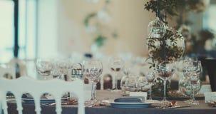 装饰的重点珍珠瓣玫瑰浅表婚礼 股票录像