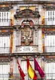 装饰的门面和阳台广场市长的,马德里 库存图片