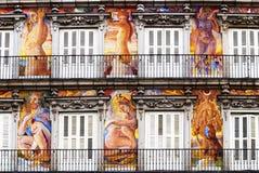 装饰的门面和阳台广场市长的,马德里 免版税库存图片