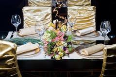 装饰的餐馆表 图库摄影