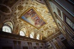 装饰皇家宫殿的屋顶 免版税库存图片