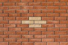 从装饰砖或瓦片的砖墙 免版税库存照片