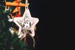 装饰细节在圣诞节市场上在欧洲 库存图片