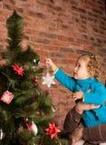 装饰结构树的圣诞节 图库摄影