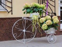 装饰自行车 免版税库存图片
