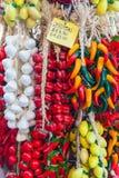 装饰蔬菜和水果与价格标签 免版税图库摄影