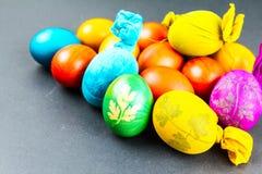 装饰鸡蛋传统方式  免版税库存照片