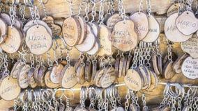 装饰,手工制造钥匙圈以people& x27变化; s名字, 库存照片