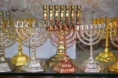 装饰menorah (hanukkiah),宗教烛台 免版税库存图片