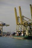 装货集装箱船,巴塞罗那,西班牙 库存图片