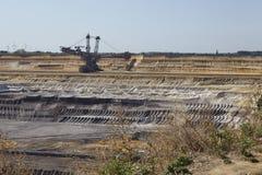 褐煤-用桶提挖掘机在露天矿Garzweiler德国 库存照片