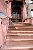 褐砂石台阶 库存照片
