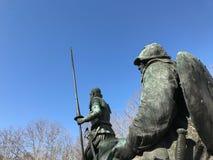 西万提斯的纪念碑 唐Quijote Plaza de EspaA±aa,马德里,西班牙 蓝天 免版税库存图片