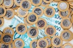 巴西人铸造钞票 库存照片