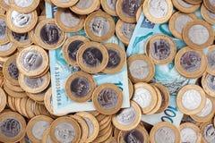巴西人铸造钞票 免版税库存图片