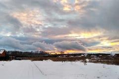西伯利亚冬天村庄 库存照片