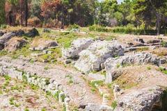 """西勒鸠斯â€罗马圆形露天剧场""""废墟在考古学公园,西西里岛,意大利 免版税库存照片"""