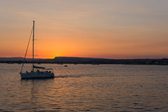 西勒鸠斯西西里岛日落 免版税库存照片