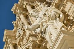 西勒鸠斯雕象和大教堂  免版税库存图片