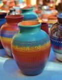 西南五颜六色的陶瓷和黏土瓦器 库存图片