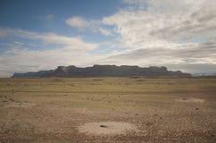 西南沙漠遥远的Mesa 图库摄影