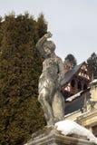 西奈,罗马尼亚建筑学的19世纪和部分的雕刻的构成  在冬天 库存照片