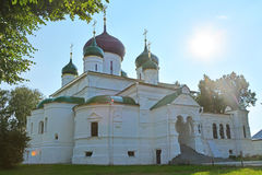 西奥多Stratelates& x27; 16世纪s大教堂在Feodorovsky女修道院在Pereslavl-Zalessky,俄罗斯 库存图片