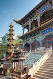 西宁,中国- 2014年7月5日:北部山寺庙(Tulou管国) n 库存照片