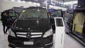 西安中国,- 2013年9月30日:-澳门车展, 股票录像
