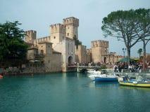 西尔苗内,意大利城堡  库存照片
