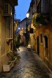 西拉库萨,西西里岛,意大利 市中心正方形的夜视图 免版税库存照片